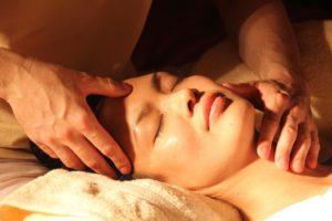Massageöl bei Aroma Therapie